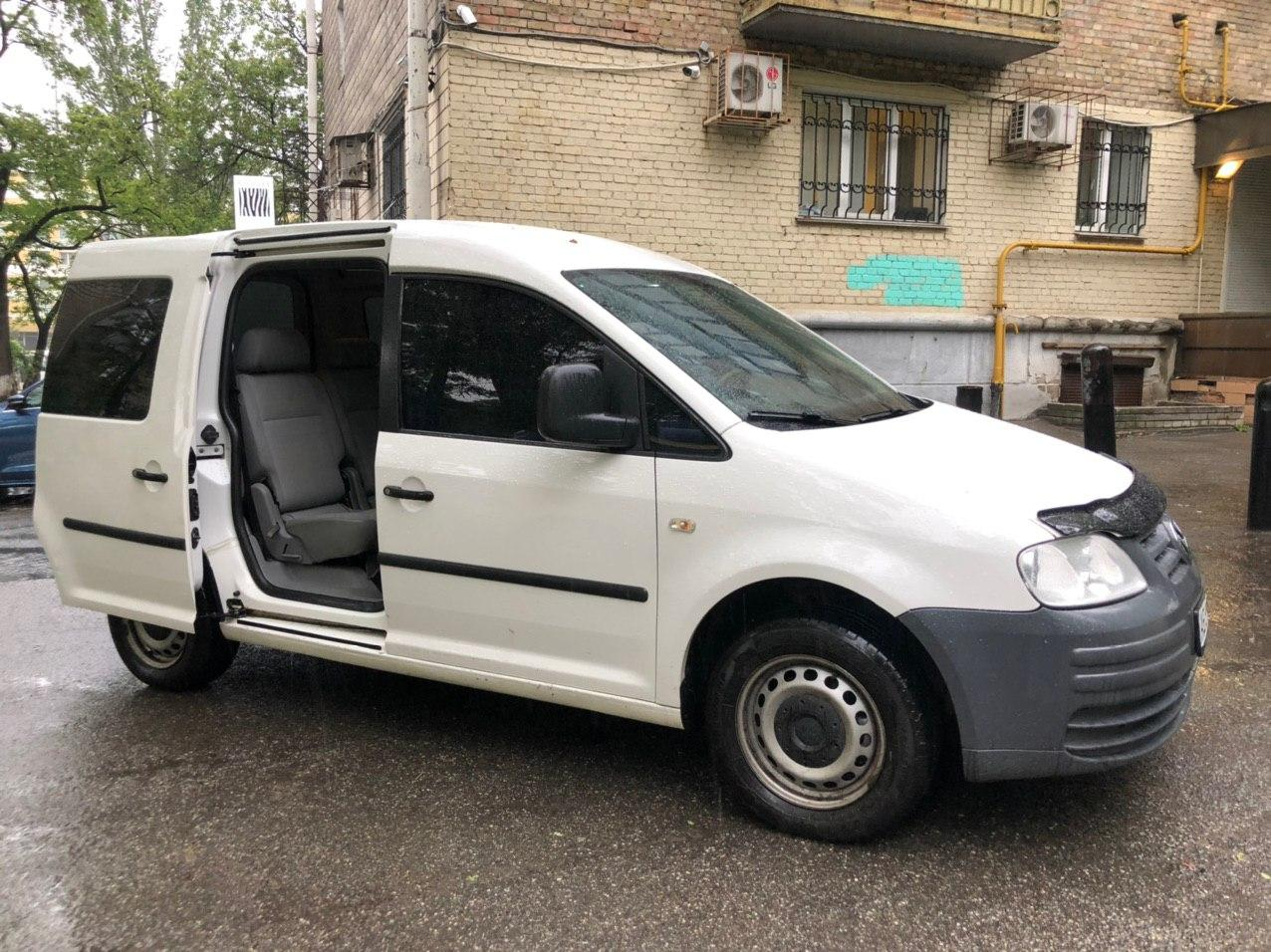 Прокат авто Volkswagen Caddy в Киеве - фото 3