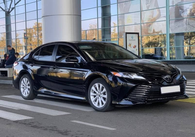 Rent a car Toyota Camry XV70 - 2018 in Kyiv - Megarent