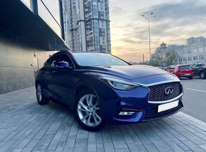 Rent a car Infinity QX30 2016 in Kyiv - Megarent