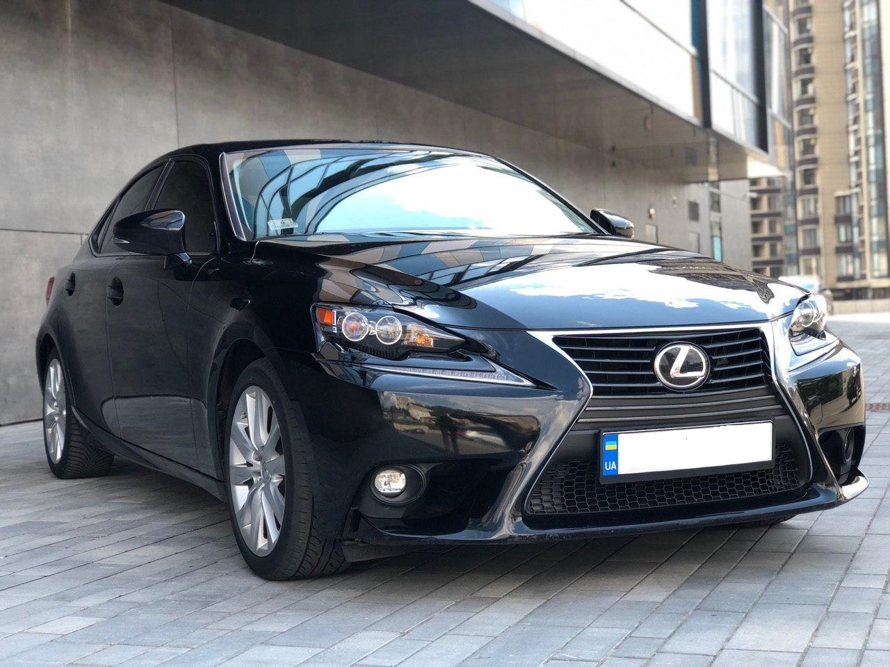 Rent a car LEXUS IS300 2015 in Kyiv - Megarent