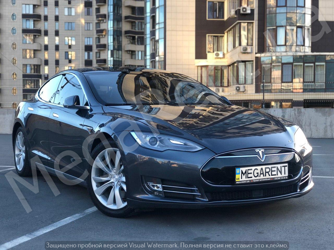 Rent a car TESLA Model S in Kyiv - Megarent
