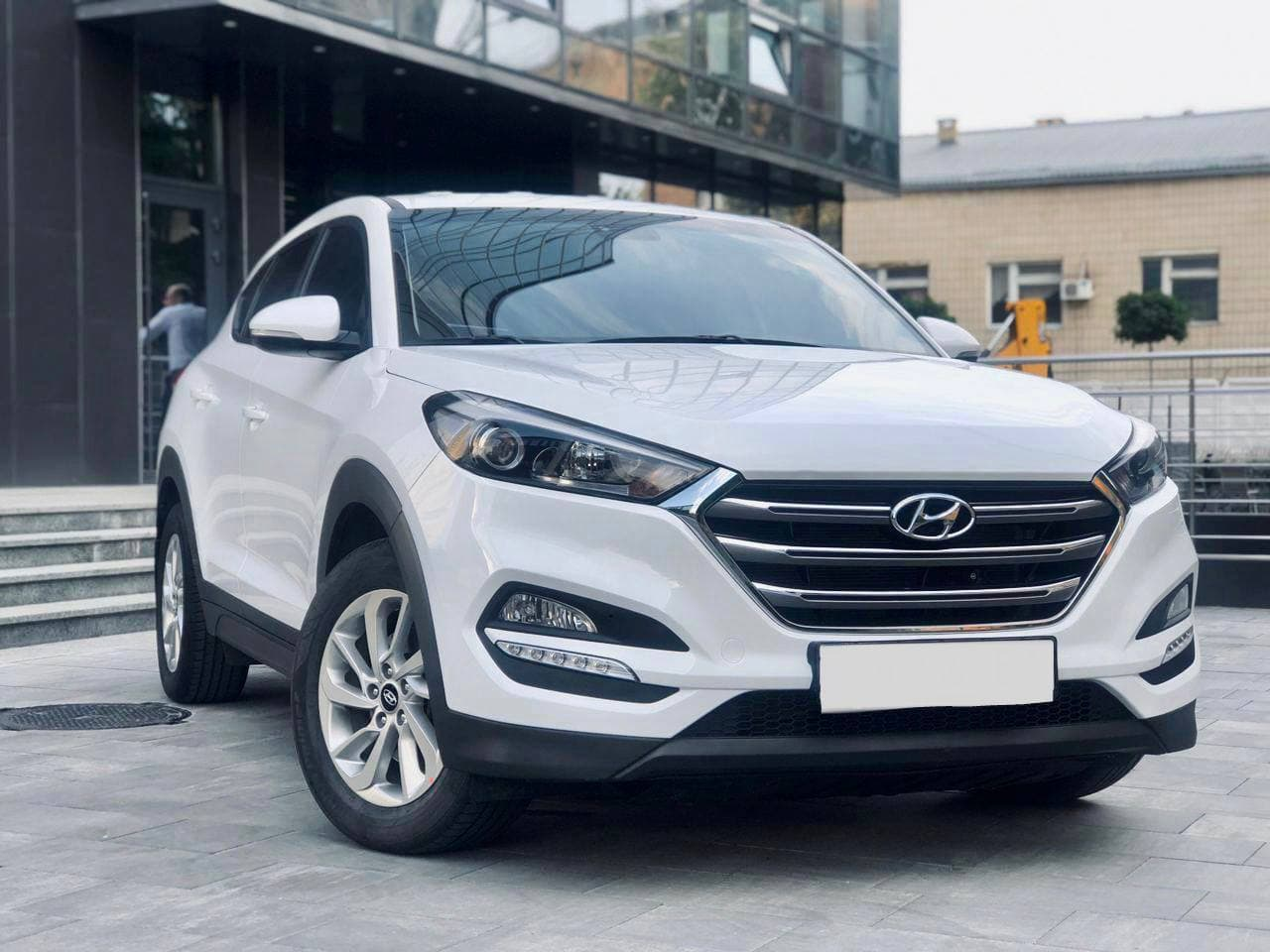 Rent a car Hyundai Tucson 2018 in Kyiv - Megarent