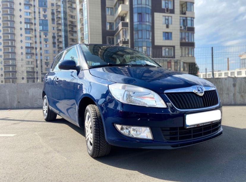 Rent a car Skoda Fabia in Kyiv - Megarent