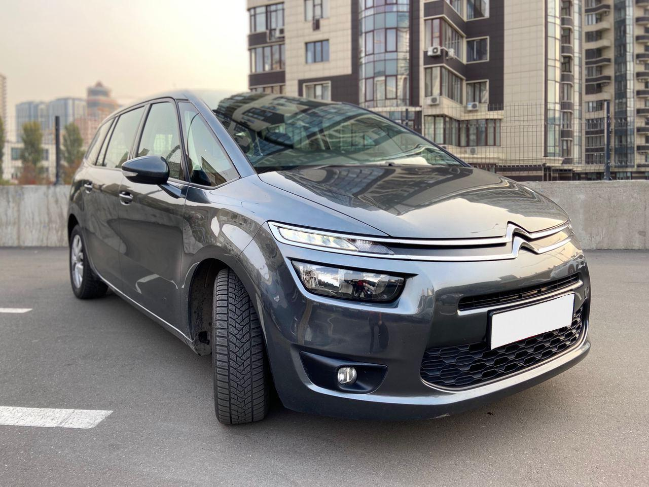 Car rental Citroen C4 in Kyiv - photo 1