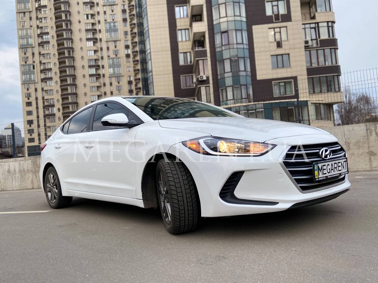 Rent a car Hyundai Elantra 2018 in Kyiv - Megarent