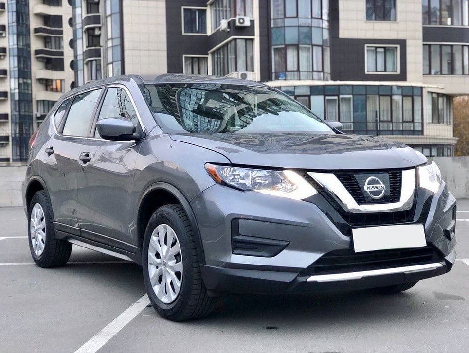 Rent a car Nissan Rogue in Kyiv - Megarent
