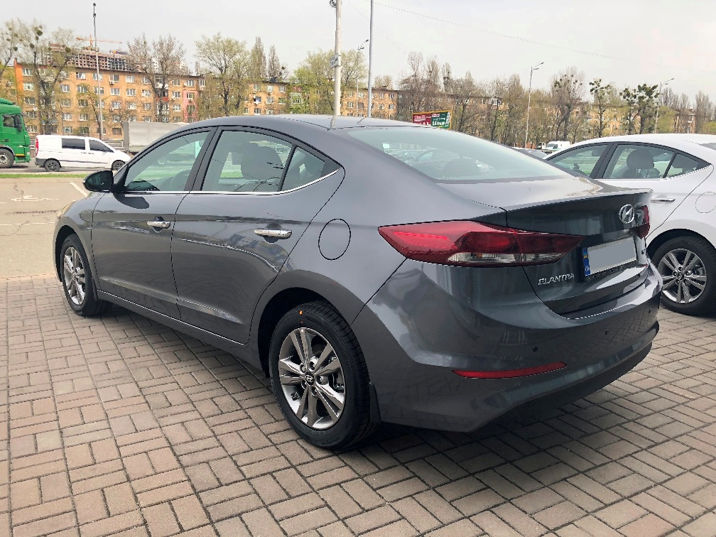 Car rental Hyundai Elantra 2018 in Kyiv - photo 5