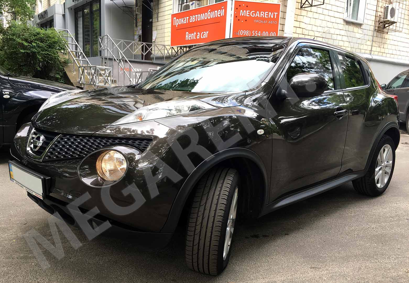 Car rental Nissan Juke 2013 in Kyiv - photo 2