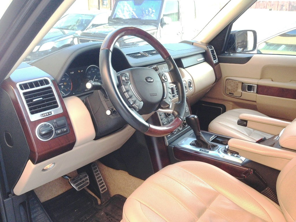 Car rental RANGE ROVER AUTOBIOGRAPHY 2010 in Kyiv - photo 3