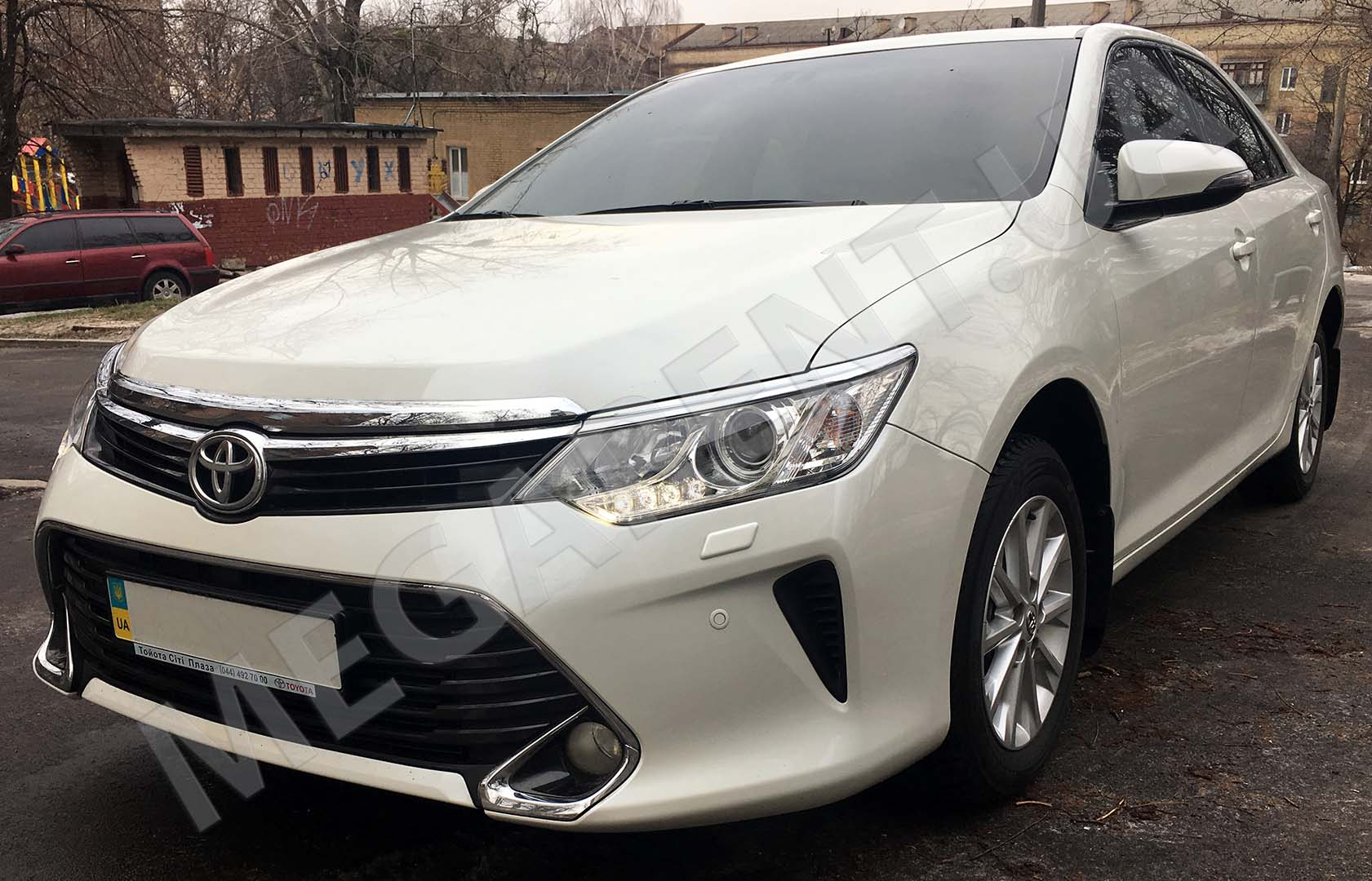 Car rental Toyota Camry XV60 - 2016 in Kyiv - photo 2