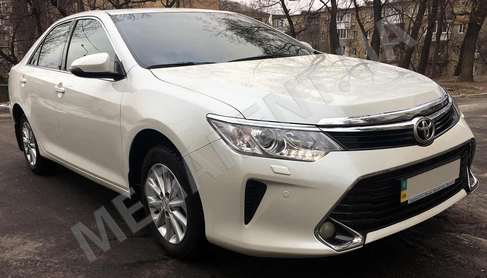 Car rental Toyota Camry XV60 - 2016 in Kyiv - photo 3