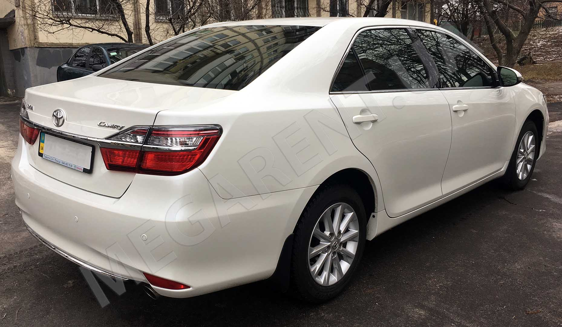 Car rental Toyota Camry XV60 - 2016 in Kyiv - photo 4
