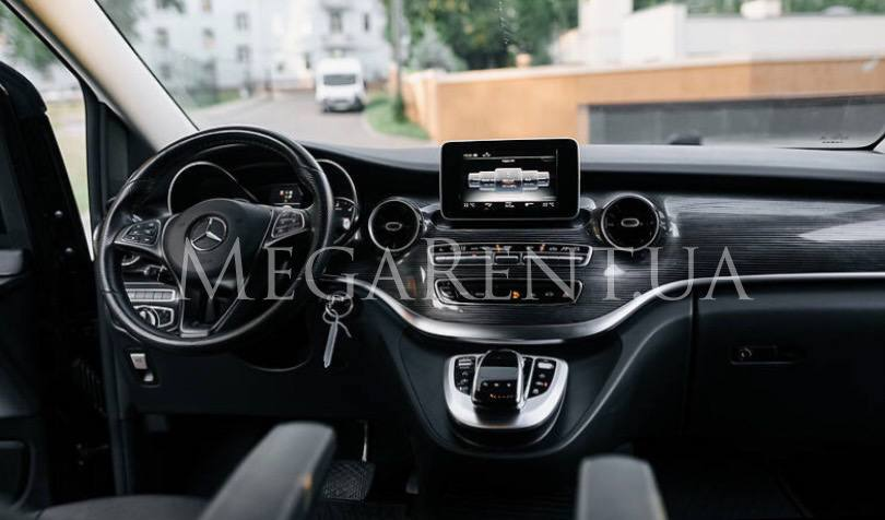 Car rental Mercedes V-class 2016 in Kiev - photo 3