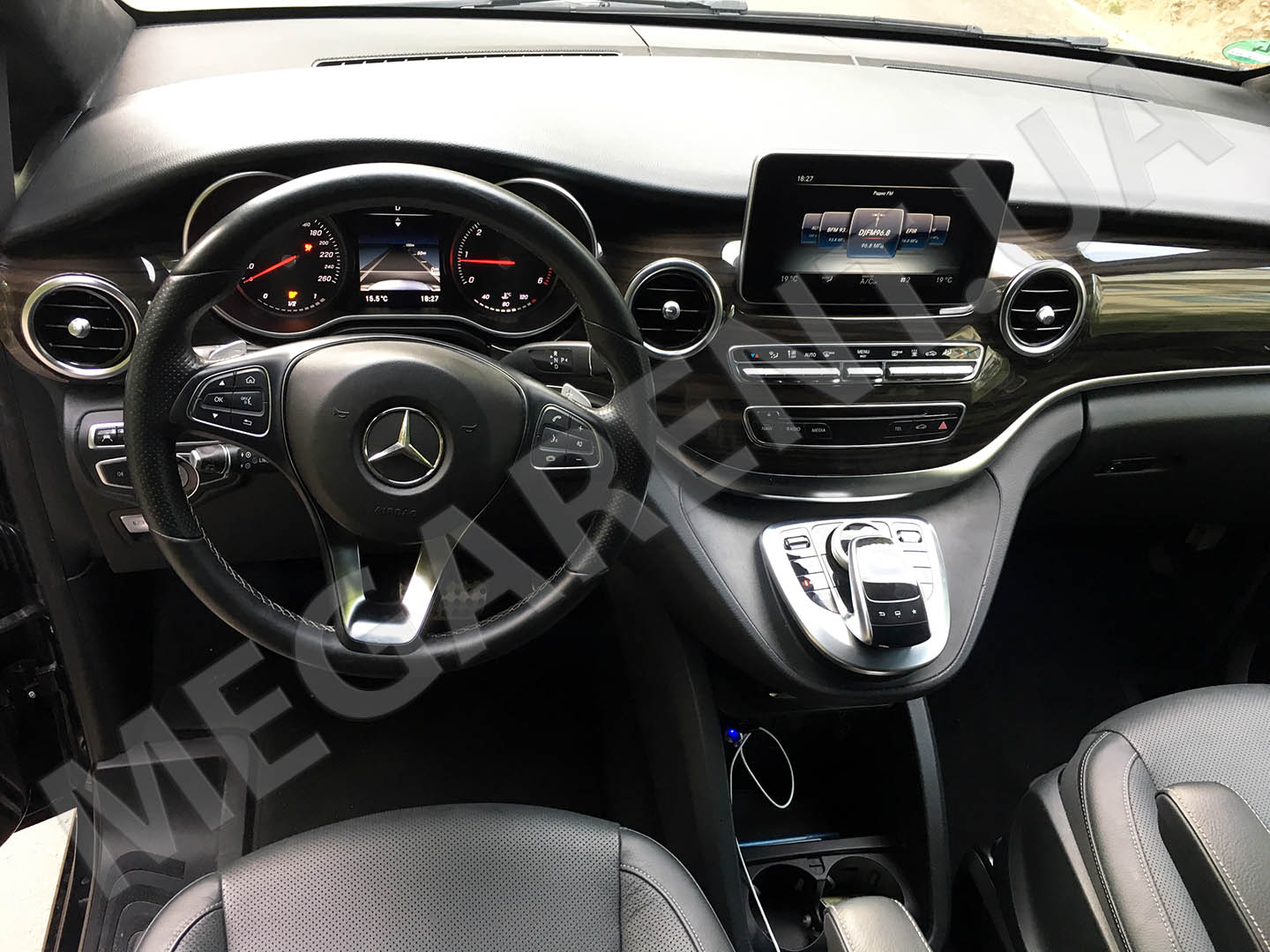Car rental Mercedes V-class 2016 in Kiev - photo 8