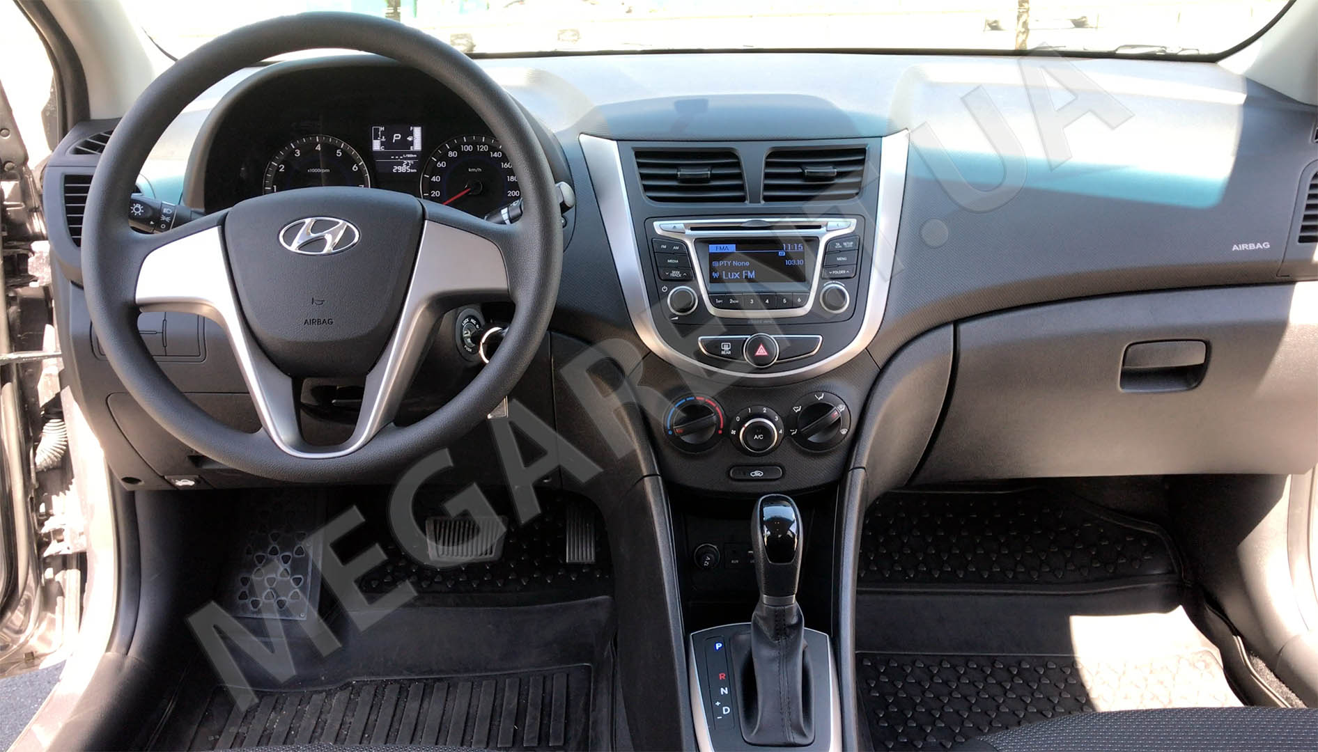 Car rental HYUNDAI SOLARIS (ACCENT) 2017 in Kiev - photo 7