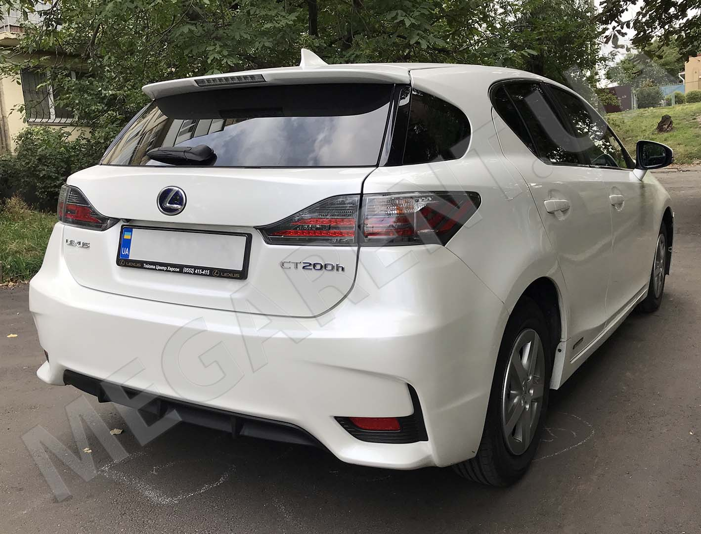 Car rental Lexus CT200h Hybrid in Kyiv - photo 4