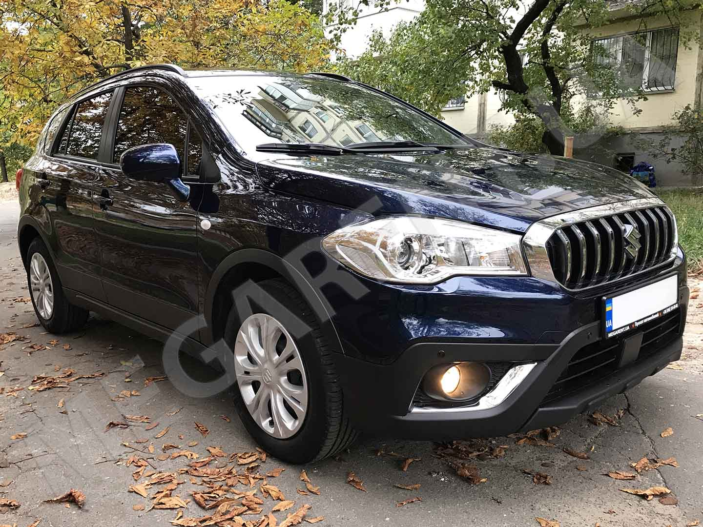 Car rental Suzuki SX4 2017 in Kyiv - photo 3