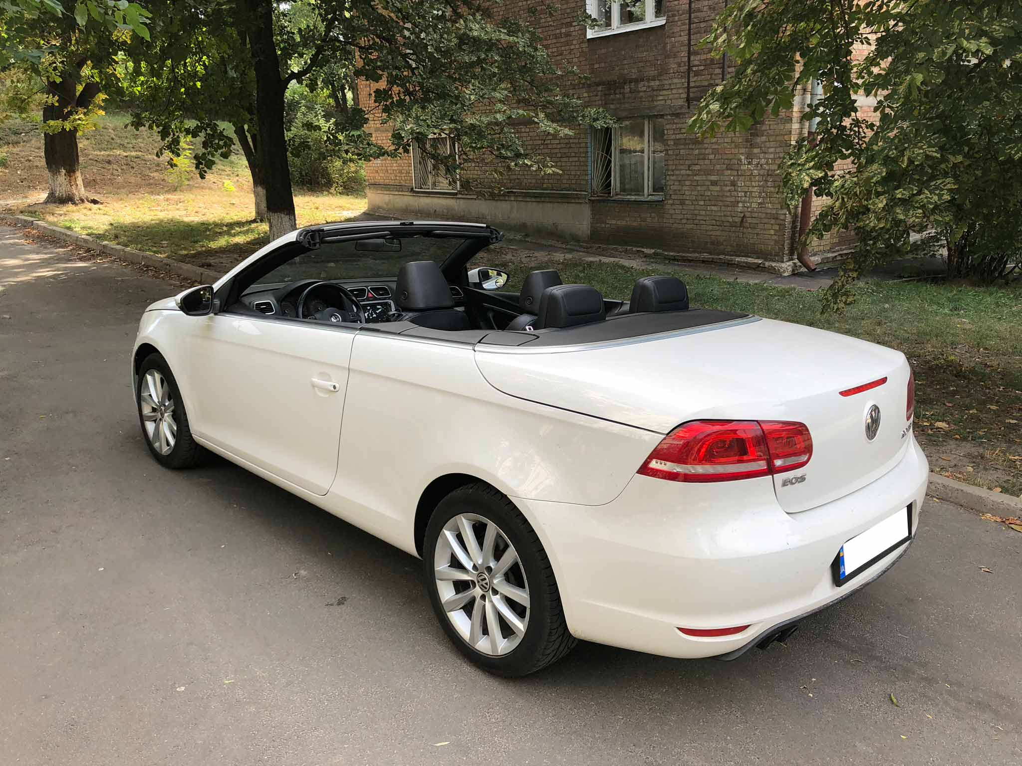 Car rental Volkswagen Eos in Kyiv - photo 4