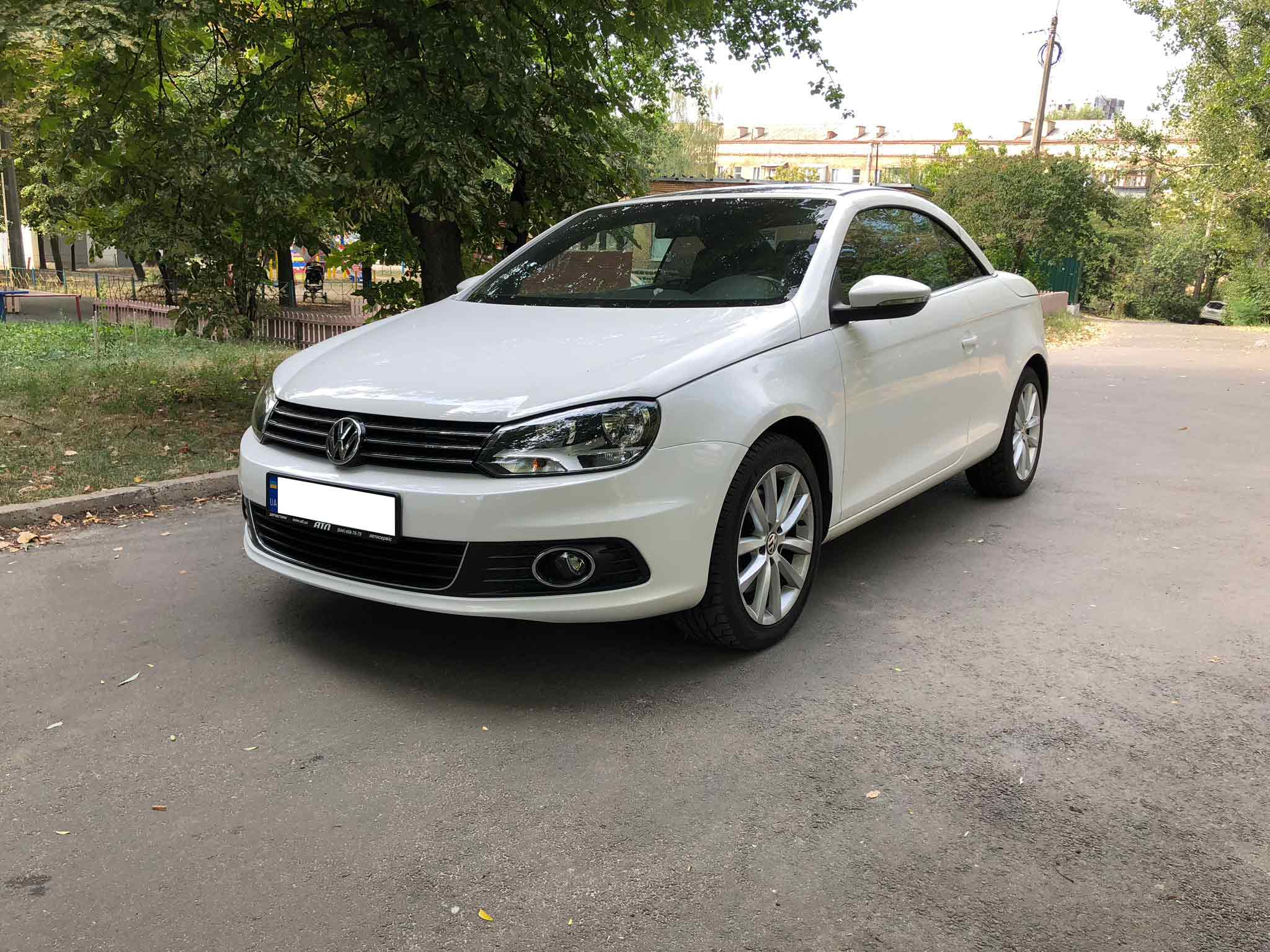 Car rental Volkswagen Eos in Kyiv - photo 6