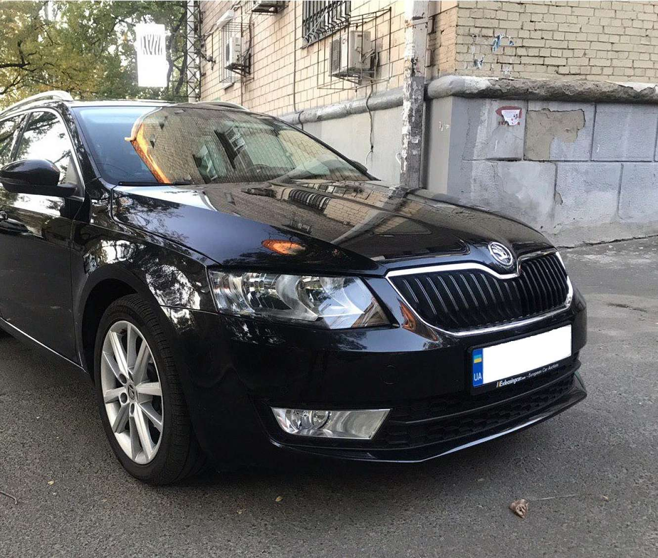 Car rental Skoda Octavia A7 Combi auto in Kyiv - photo 3