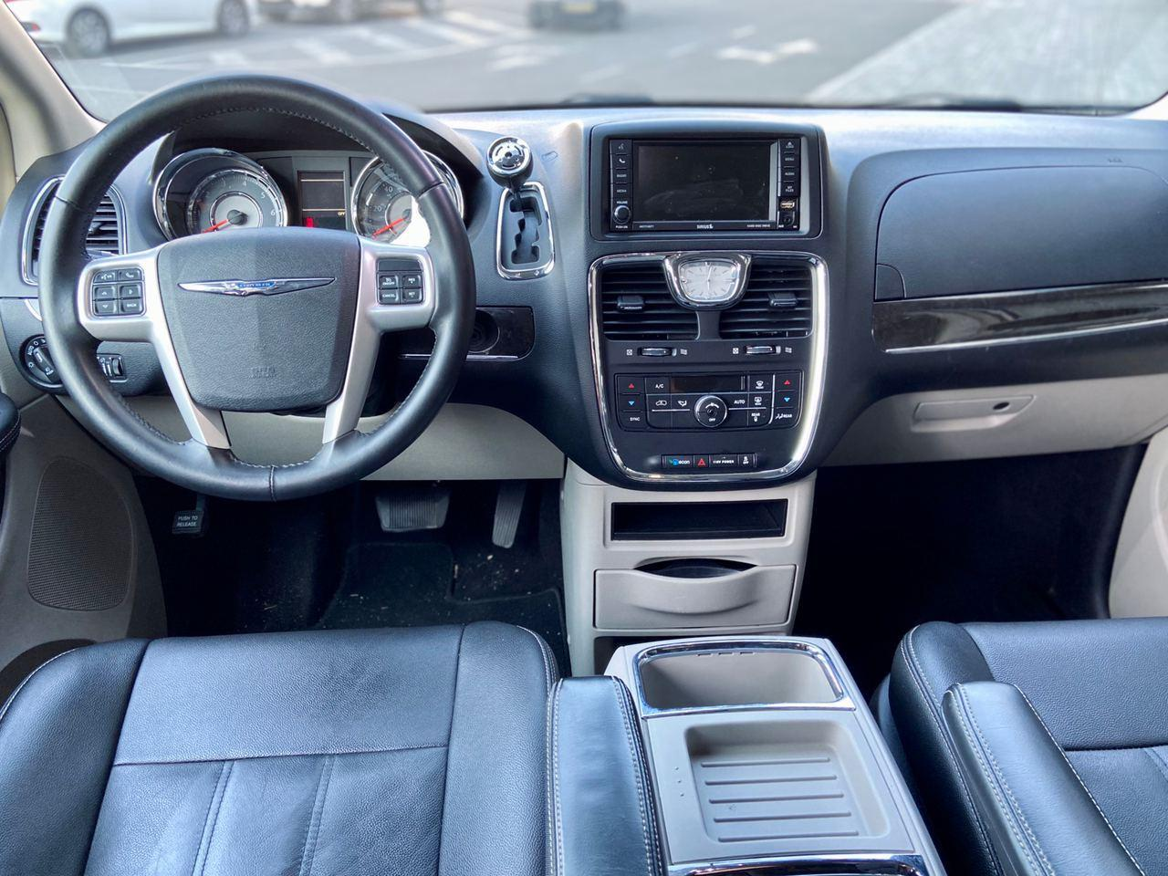 Car rental Chrysler Town Country 2016 in Kyiv - photo 9