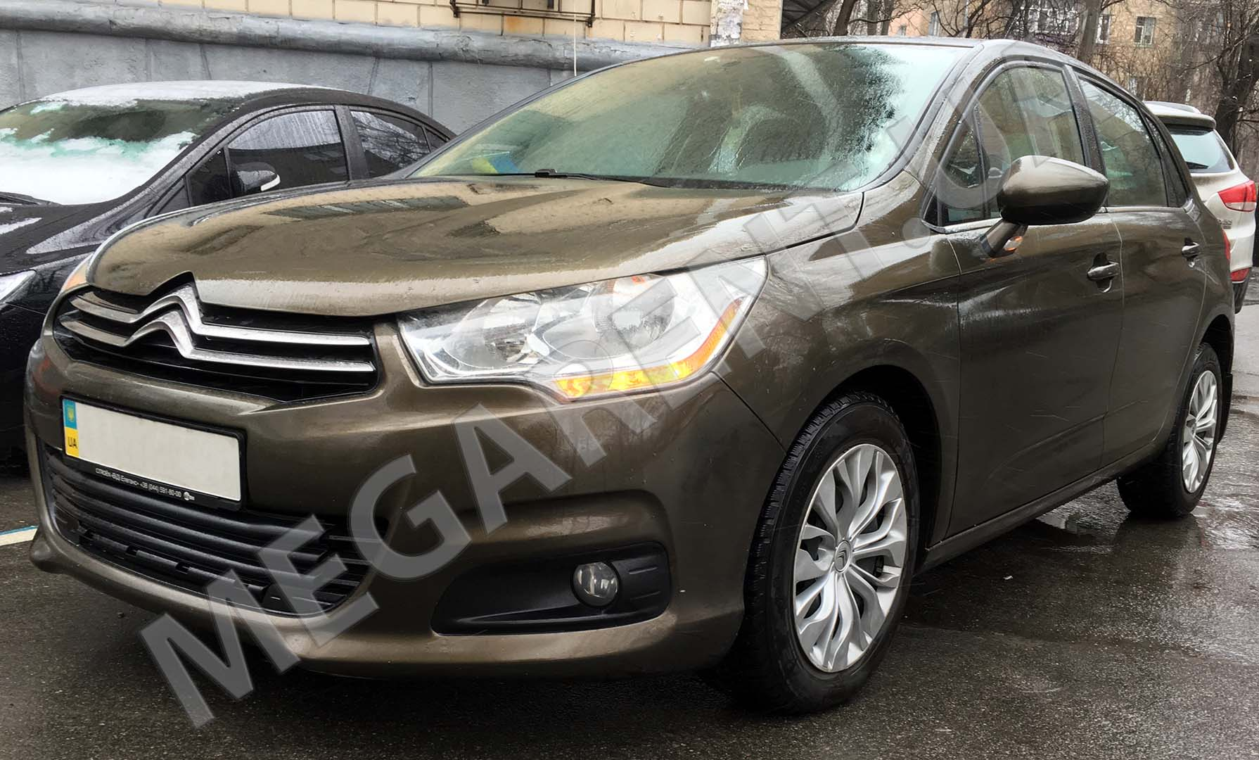 Car rental Citroen C4 2012 in Kiev - photo 2